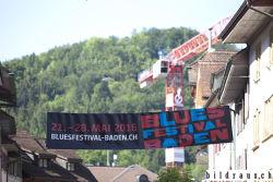 """""""Warm up"""" in Badens Gassen anlŠsslich des Bluesfestival 2016. © bildraus.ch, Rolf Jenni, Fotograf, Industriepark Asp, Joosaeckerstrasse 12, 8957 Spreitenbach. Handy: 079-715 65 50  E-Mail: info@bildraus.ch  Web: www.bildraus.ch"""