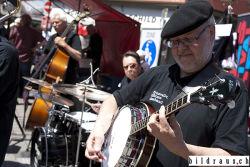Die Wynavalley Oldtime Jazzband spielen anlŠsslich des Bluesfestival 2016 in Badens Gassen. © bildraus.ch, Rolf Jenni, Fotograf, Industriepark Asp, Joosaeckerstrasse 12, 8957 Spreitenbach. Handy: 079-715 65 50  E-Mail: info@bildraus.ch  Web: www.bildraus.ch